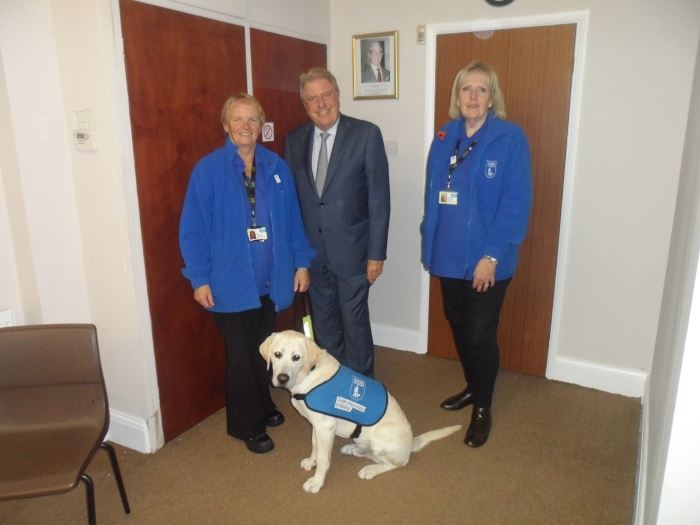 Meeting puppy walker Myriam Steadman, Debbie Marchese, and guide dogs Rivers, to discuss access to public transport