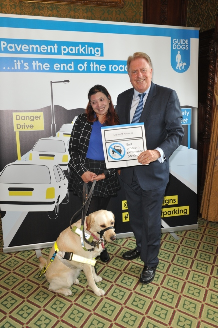 Guide_Dogs_095